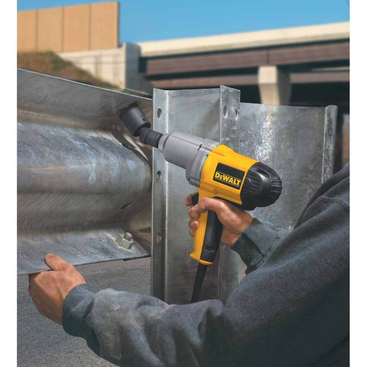 DeWalt 1/2 In. Impact Wrench with Detent Pin Anvil Image 5