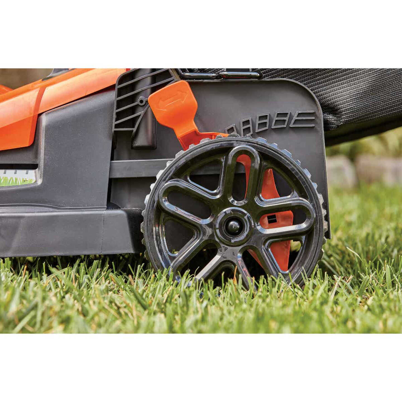 Black & Decker 17 In. 12A Push Electric Lawn Mower Image 2